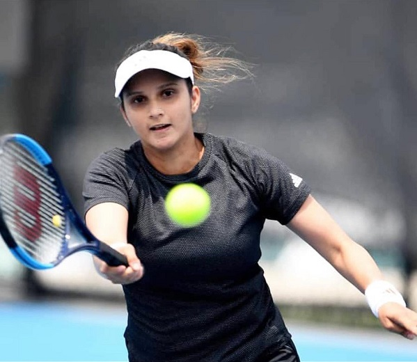 Sania-Wins-Hobart-International-Tournament-Doubles